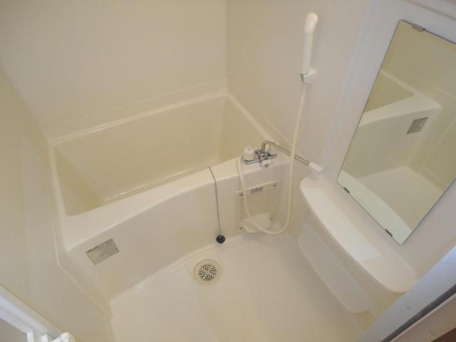 ラヴィール 105号室の風呂