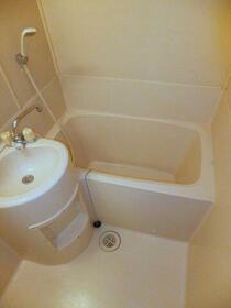 ガストハウス府中 205号室の風呂