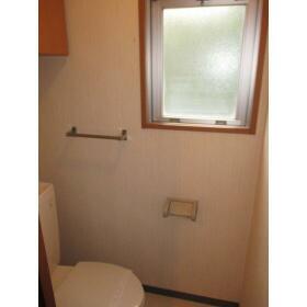 ヴィレッジ・イン・上高井戸 0204号室のトイレ