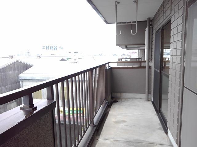 スカイハイツ藤橋 03030号室のバルコニー