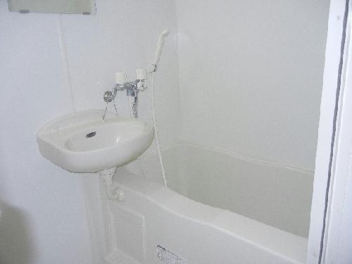 レオパレスグランズ浄水 103号室の風呂