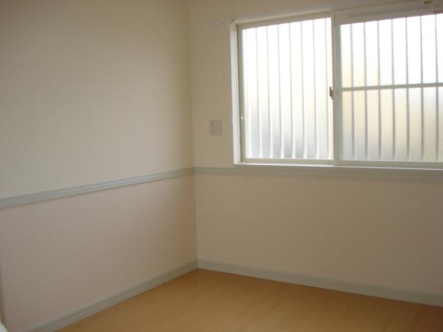 レジデンスペティ 102号室の居室
