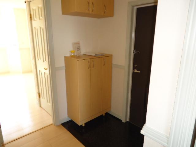レジデンスペティ 102号室の玄関