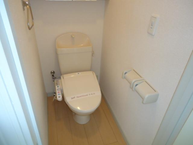 レジデンスペティ 102号室のトイレ
