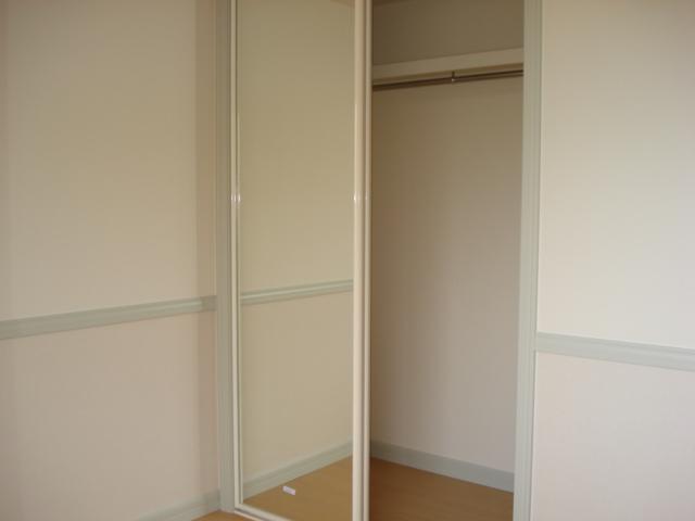 レジデンスペティ 102号室の収納