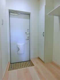 ハーミットクラブハウス二子新地(仮) 201号室の玄関