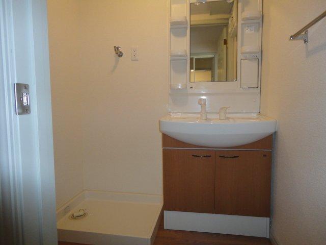 エル・ガーデンB棟 101号室の洗面所