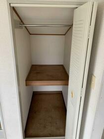 ハイツ高島平 201号室の収納