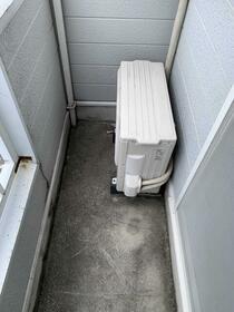 ハイツ高島平 201号室のバルコニー