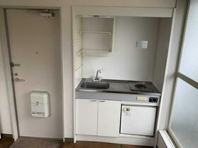 ハイツ高島平 201号室のキッチン