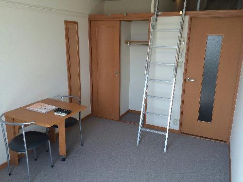 レオパレス森田 210号室のリビング