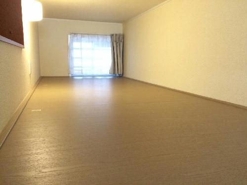レオパレス森田 210号室の収納