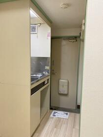 ライフピアモア沼袋1号館 106号室のキッチン