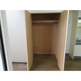 スリーゼ西ヶ丘 0102号室の収納