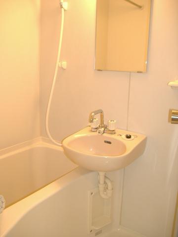 クオリアコート 402号室の風呂