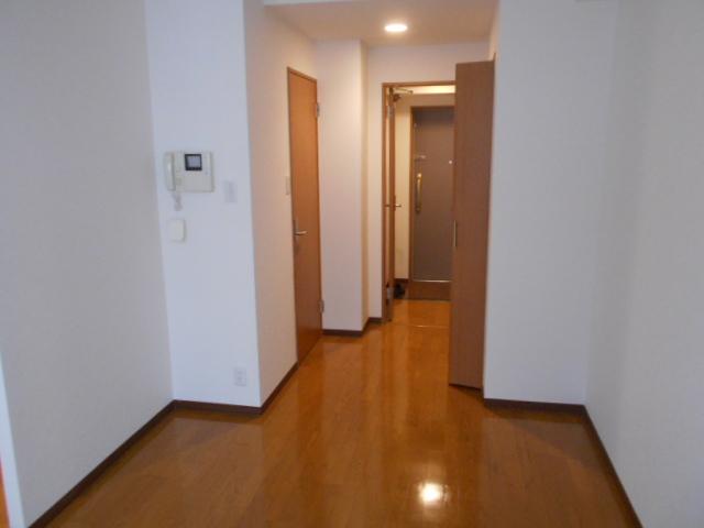 コリドール天神川 302号室のリビング