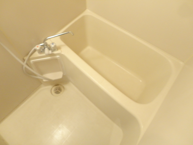 ハイツ三ノ宮 205号室の風呂
