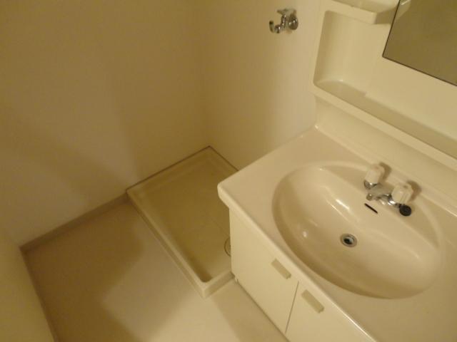 ハイツ三ノ宮 205号室の洗面所