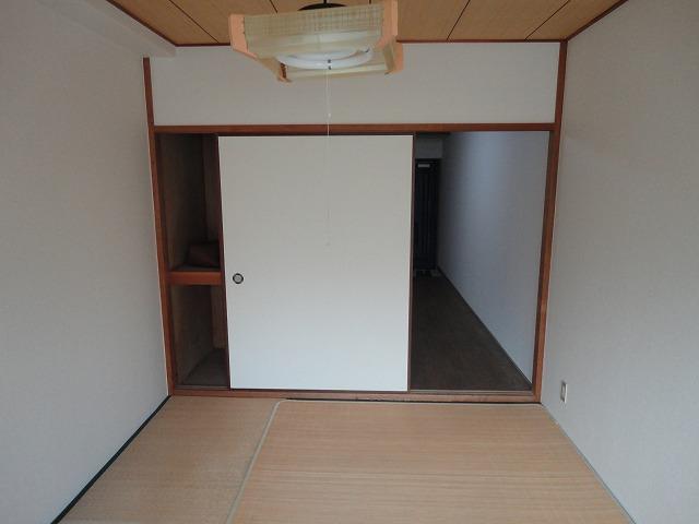 レジデンス桂 206号室の居室