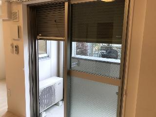 アジュール・コート久世 103号室の玄関