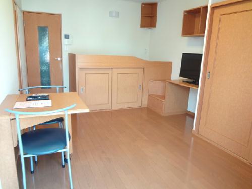 レオパレス八原 105号室のベッドルーム