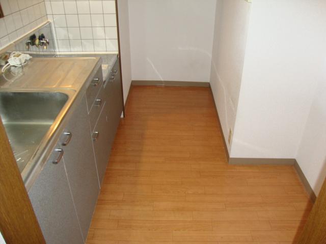 ツインハイツB 203号室のその他