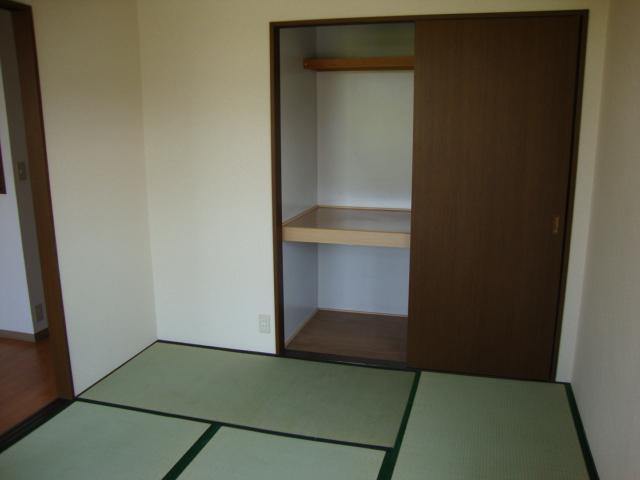 ツインハイツB 203号室のキッチン