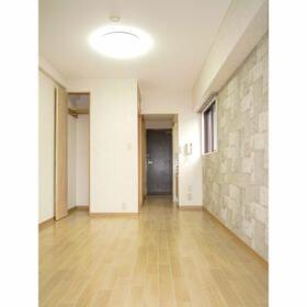 ロマネスク大濠第5 405号室のリビング