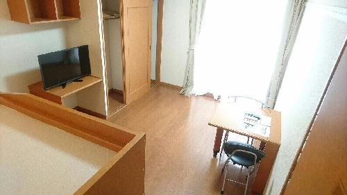 レオパレス白川 110号室のリビング