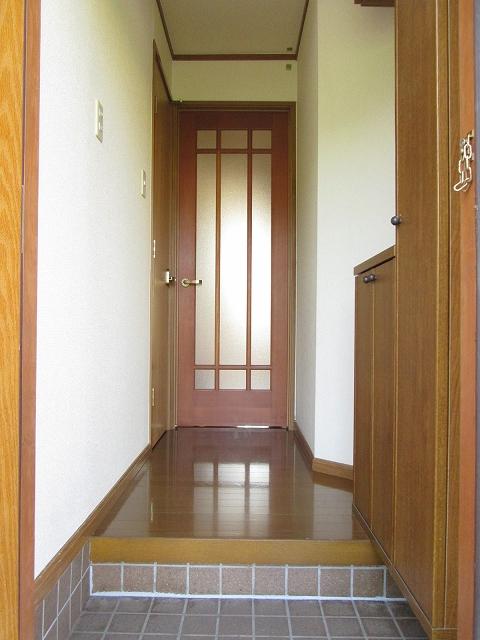 トゥルスⅠ 01010号室の玄関