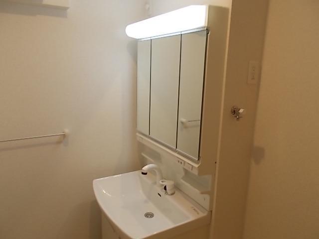 ラ・ルミエール 01030号室の洗面所