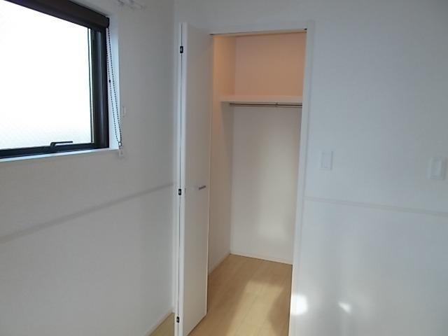 ラ・ルミエール 01030号室の収納