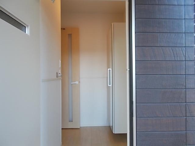 ラ・ルミエール 01030号室の玄関