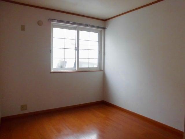 コリーヌ・オーブB 01020号室の居室
