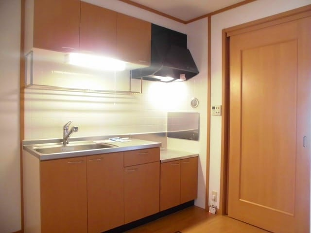 コリーヌ・オーブB 01020号室のキッチン