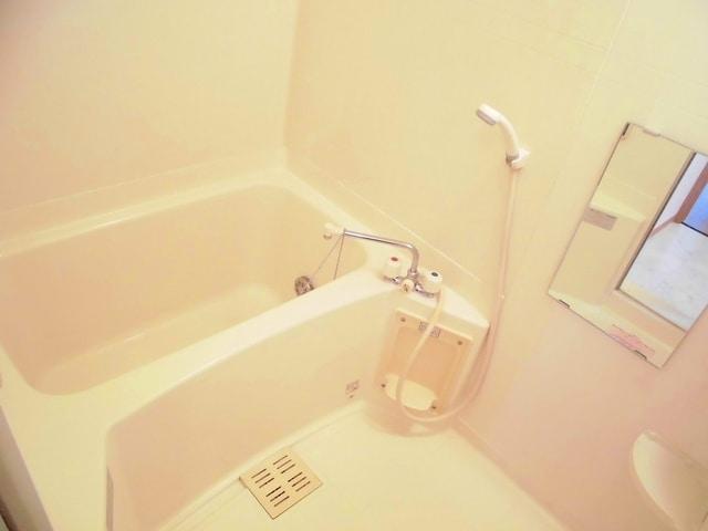 コリーヌ・オーブB 01020号室の風呂