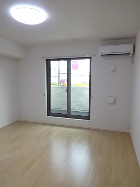 LA PORTE 02020号室のリビング