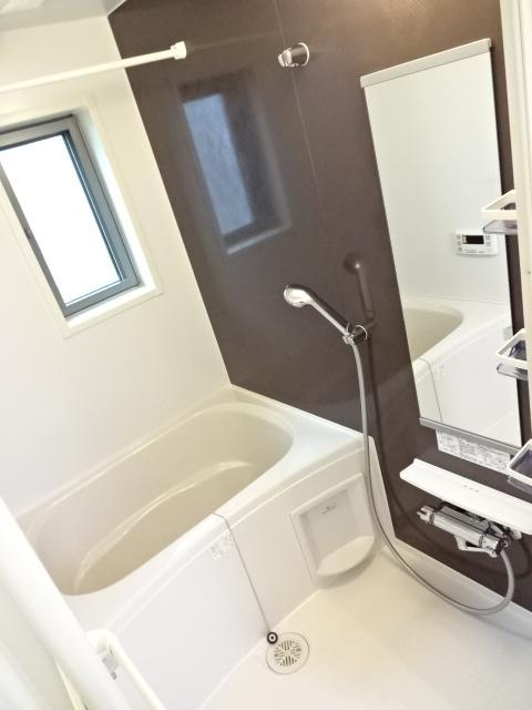 LA PORTE 02020号室の風呂