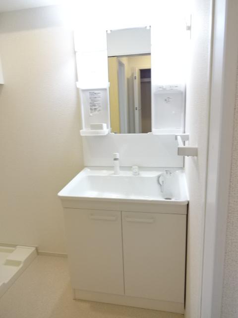 LA PORTE 02020号室の洗面所