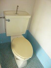 長瀬ビル 201号室のトイレ