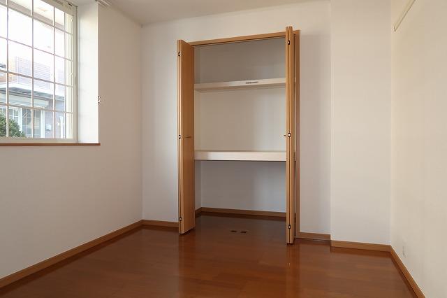 シャンドフルールH 01010号室の収納