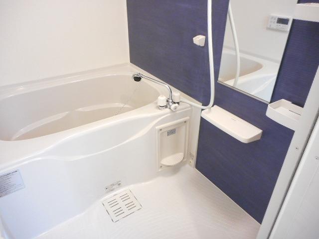 クローバーキャッスル 01020号室の風呂