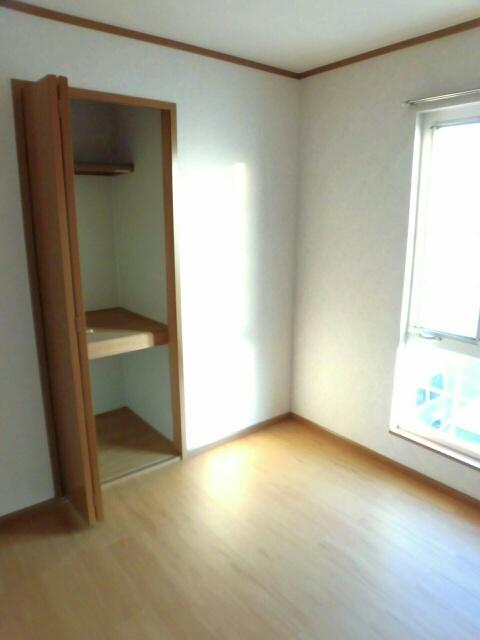 ムーミン村B 02020号室の収納