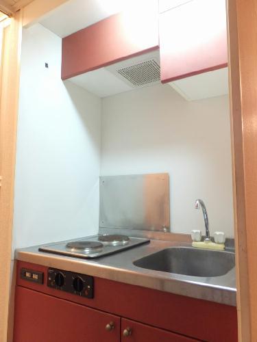 レオパレスクォーレ 101号室のキッチン