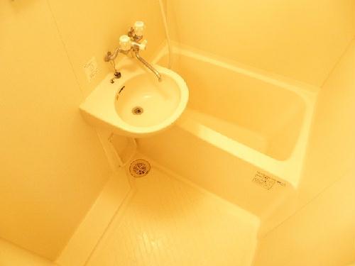 レオパレスクォーレ 101号室の風呂