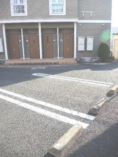 ヴァルトハウス 01040号室の駐車場