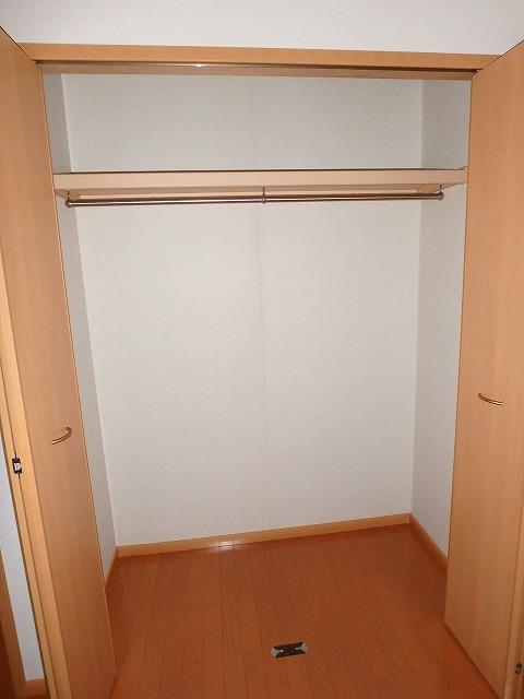 ヴァルトハウス 01040号室の収納