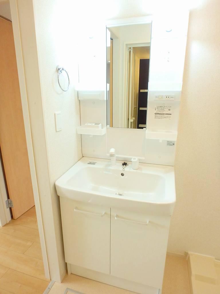 ル シャルマン K 02020号室の洗面所