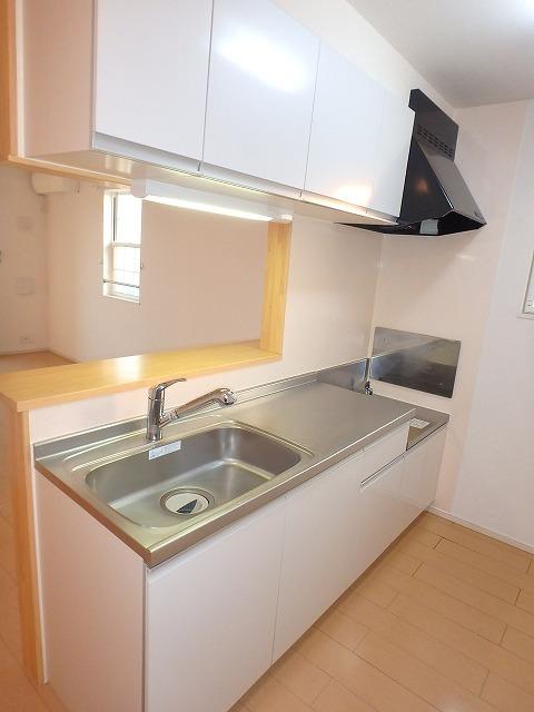 ヴァイオレットミニョン 02010号室のキッチン