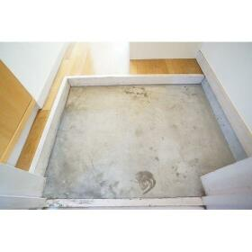 ラフォーレ相武台 205号室の玄関